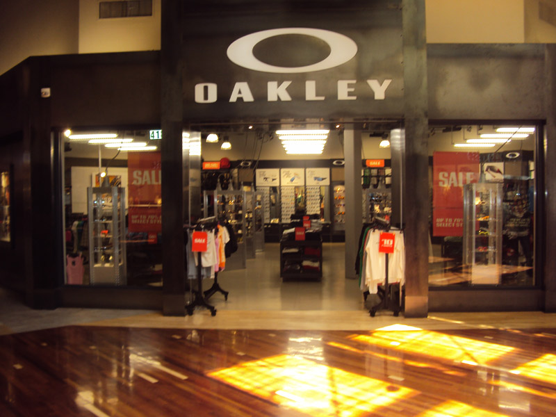 Oakley08